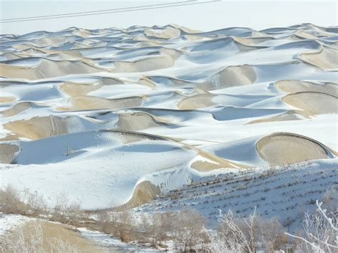 snowfall in desert 8 of the most beautiful deserts in the world