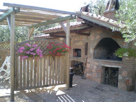 struttura camino struttura camino legno e pietra a vista nella casa