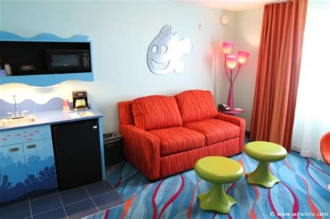 photo tour of a finding nemo family suite at disney s art disney s art of animation resort a hotel themed around