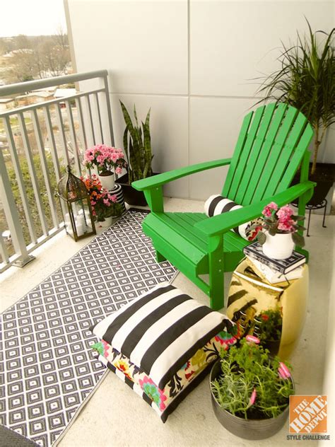 innovative decorative ideas for a small balcony