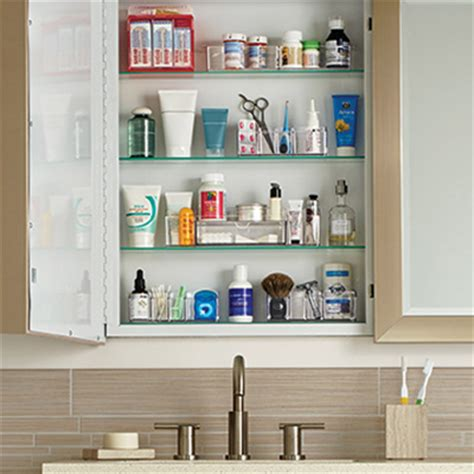organize  medicine cabinet ideas