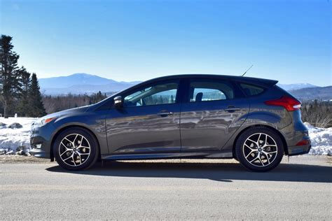 2013 ford focus se hatchback pictures brown hairs
