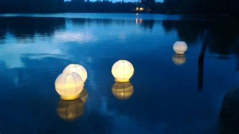 how to make a paper lantern boat best 25 floating paper lanterns ideas on pinterest