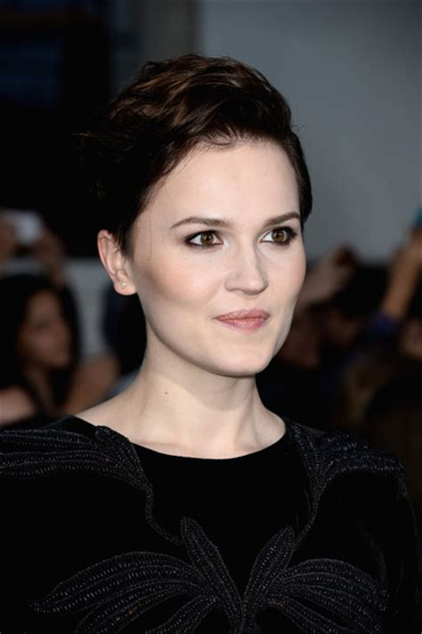divergent hairstyles more pics of veronica roth short side part 6 of 11