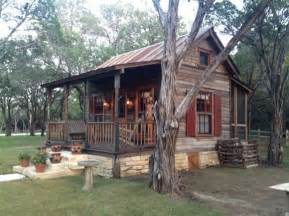 17 best ideas about small rustic house on