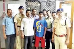 Tezpur Mba Cut by Same Clothes Aid Cops In Nabbing Mumbai Molester