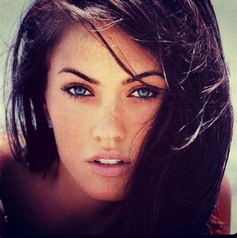 girl with black hair blue eyes pinkhoneybeee celebrity inspiration dark hair blue eyes