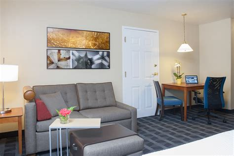 2 bedroom suites in indianapolis towneplace suites indianapolis keystone arbor lodging
