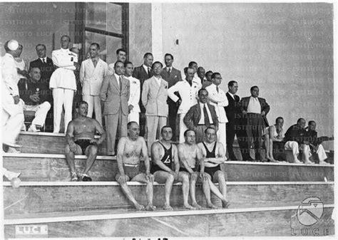 ragazzi nudi doccia befana fascista della giovent 249 italiana littorio al