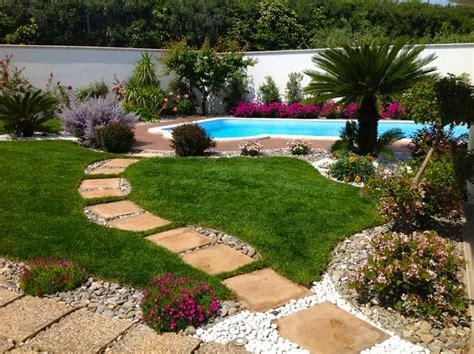 giardini con piscina giardino con piscina