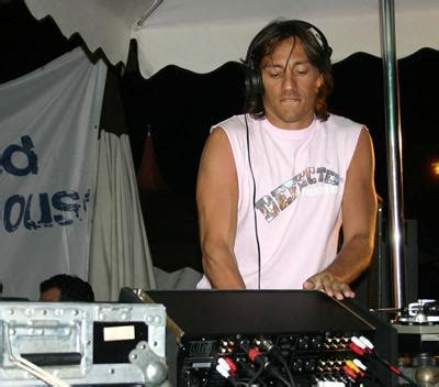 bob sinclar everybody movin original club mix de dj funkyhouse page 9 defected in the house
