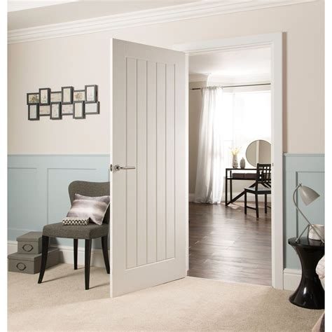 Cottage Style Interior Doors Cottage Moulded Primed Woodgrain Door 762mm Wide At Homebase Co Uk