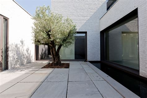 courtyard house courtyard house vw 5 homedsgn