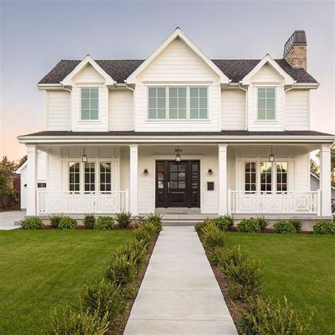modern farmhouse colors beautiful modern farmhouse exterior design 27 homedecort