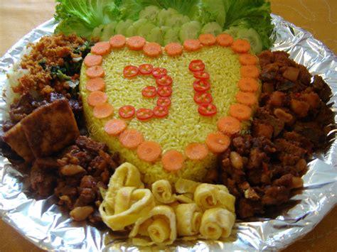 buat nasi kuning pakai rice cooker tasty indonesian food nasi kuning