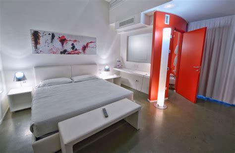 motel a tema motel a tema cinque camere a concetto mo om hotels