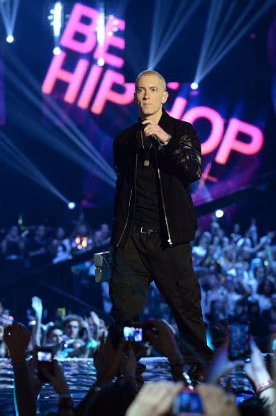 Eminem Ema | eminem performs berzerk rap god at mtv emas hiphop