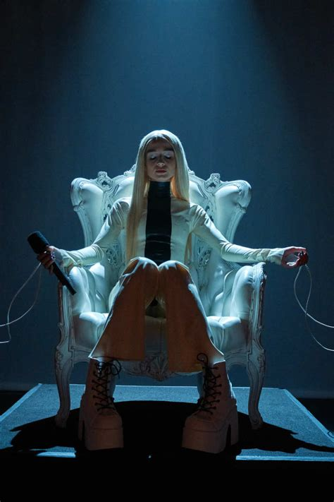 poppy time is up poppy performs quot time s up quot on quot late late show with james