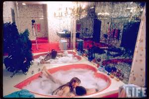 Hotels With Whirlpool Bathtubs The Blue Room Heart Shaped Or Champagne Tub Time
