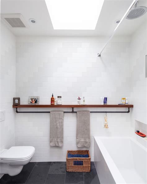 30 Beautiful Contemporary Bathroom Shelves Eyagci Com Contemporary Bathroom Shelves