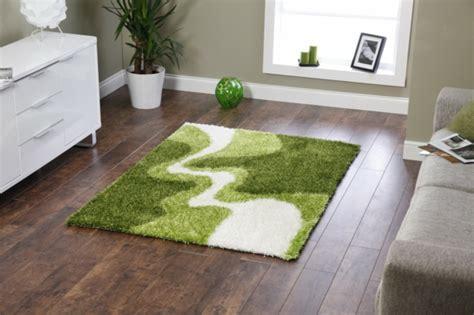 Grüner Teppich Wohnzimmer by Gr 252 Ner Teppich Frische Im Hause Archzine Net