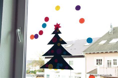 Fensterbilder Weihnachten Basteln Mit Kindern by Basteln Mit Kleinen Kindern Fensterbild Tannenbaum