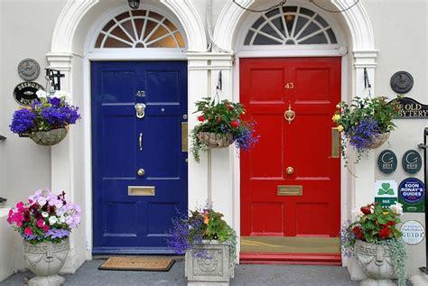 verniciare una porta come verniciare una porta in legno colorivernici it