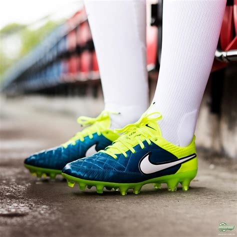 a closer look at the nike tiempo legend s football boot