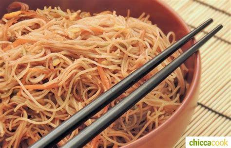 ricette cucina orientale spaghetti di riso con verdure cucina orientale cucina