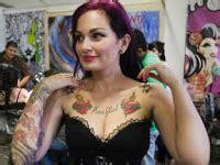 tato keren di payudara 4 posisi tato unik wanita