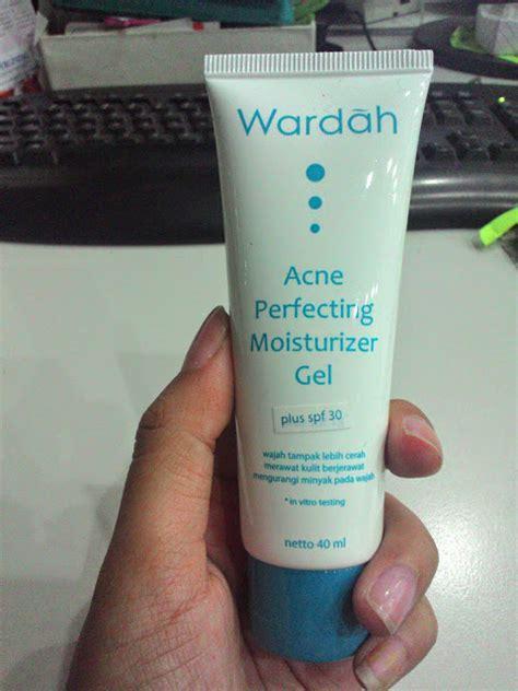Pelembab Wardah Untuk Wajah Berjerawat 6 produk wardah untuk jerawat dari wardah acne series