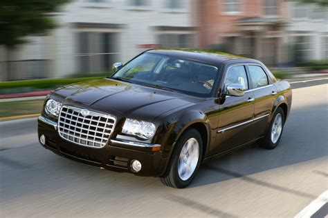 new big cars 2010 chrysler 300c is large car with big style new on