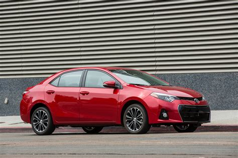 toyota s 2015 toyota corolla reviews and rating motor trend