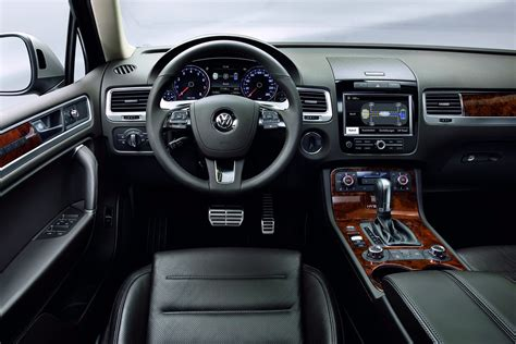 new 2011 vw touareg gets hybrid autotribute