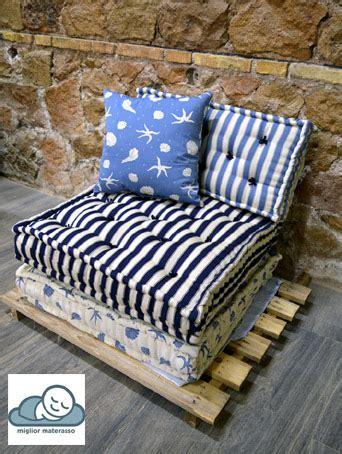 divani colorati materassi con fodera colorata a giorno uso divano