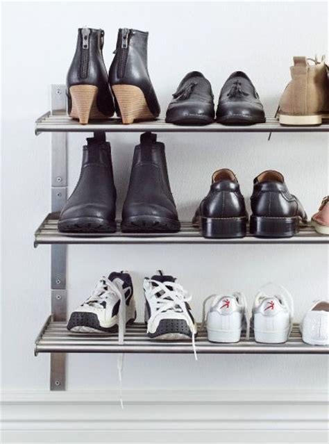 Schuhe Aufbewahren Ikea by Schuhe Die Auf Grundtal Handtuchhaltern Regalen Aus