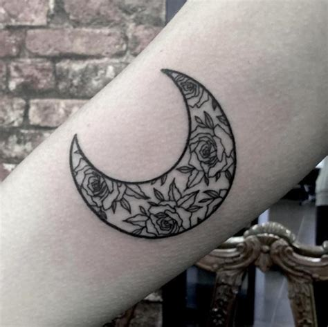 48 magnificent moon tattoo designs amp ideas tattooblend