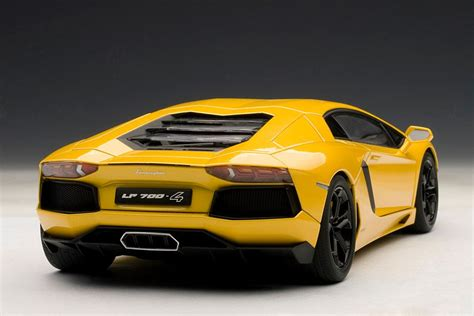 Next Lamborghini Lamborghini Aventador 1 18 Scale Model The Next Best
