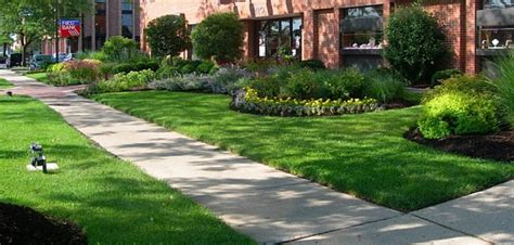 Midwest Landscaping Ideas Front Yard Amys Office Intended by Office Landscaping Ideas Various Outstanding And Simple