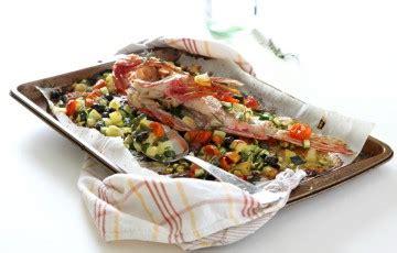 cucinare lo scorfano al forno scorfano al forno con verdure ricette donatella simeone
