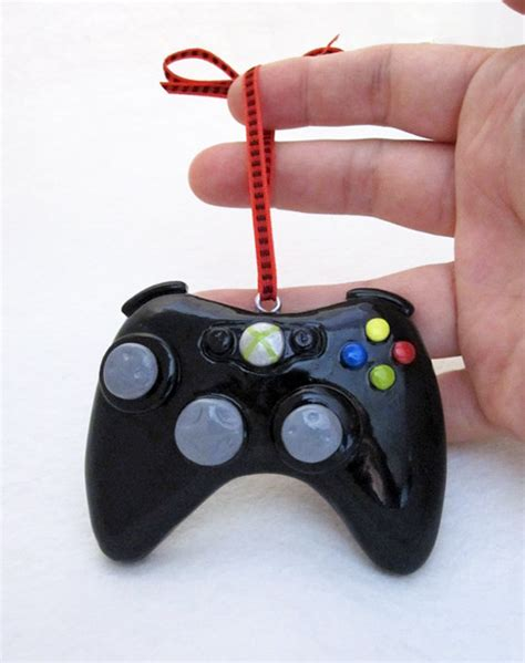 commission xbox 360 controller ornament by egyptianruin
