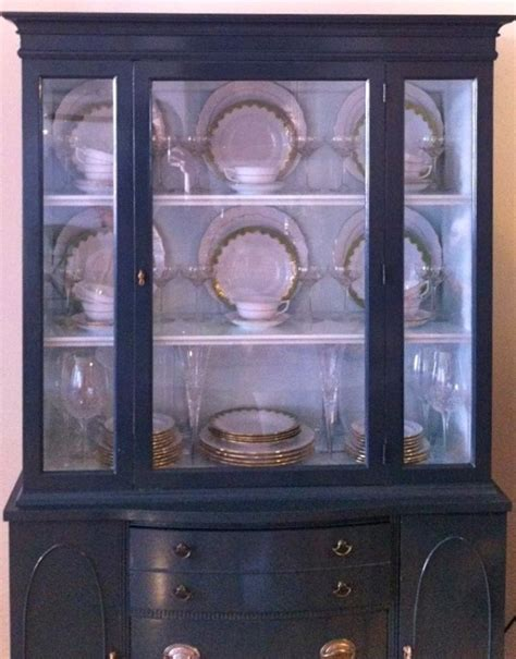 17  images about China Cabinet Display on Pinterest   Snowflakes, China display and Painted hutch