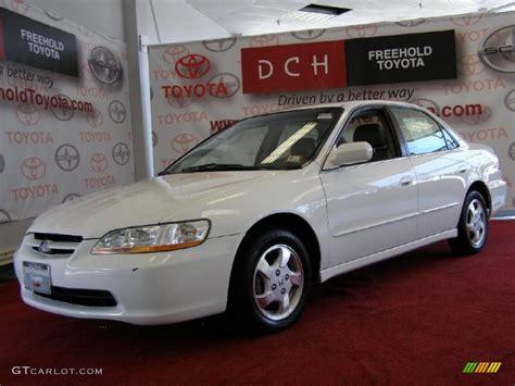1998 honda accord white 1998 taffeta white honda accord ex sedan 32683240