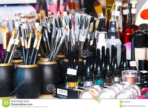 Set Of 7 Makeup Tool Set professional makeup brushes and eye shadows stock image