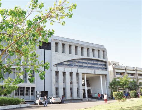 Mba Government Colleges In Ahmedabad by Bk Majumdar Institute Of Business Administration