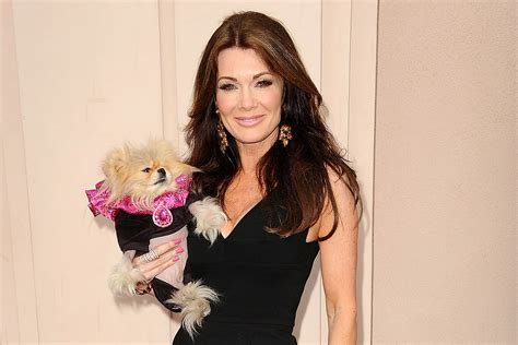 how much does lisa vanderpump weigh she reveals the lisa vanderpump reveals how much she weighs the daily dish