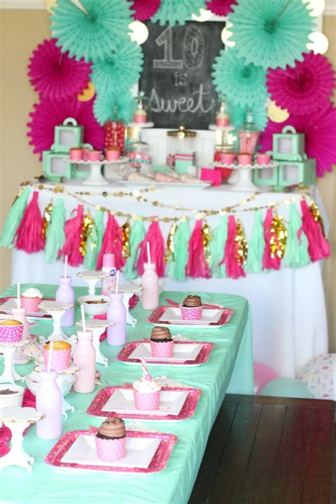 themes for a girl s 10th birthday party cupcake wars birthday party