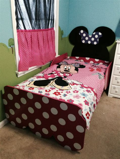 1000 images about micky minnie toddler room on