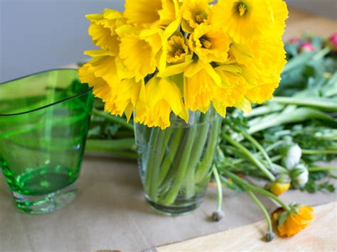 4 fruits that emit ethylene gas brighten your space with fresh cut flowers interior