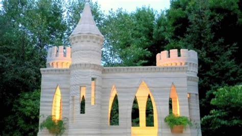 backyard castle man uses homemade 3 d printer to build concrete castle in